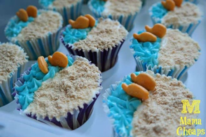 ocean beach goldfish cupcakes
