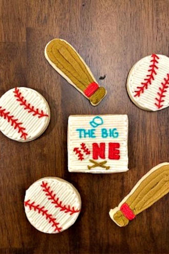 Baseball buttercream cookid