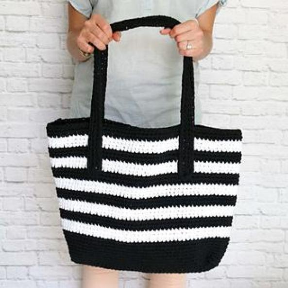 Nautical crochet stripe tote bag pattern