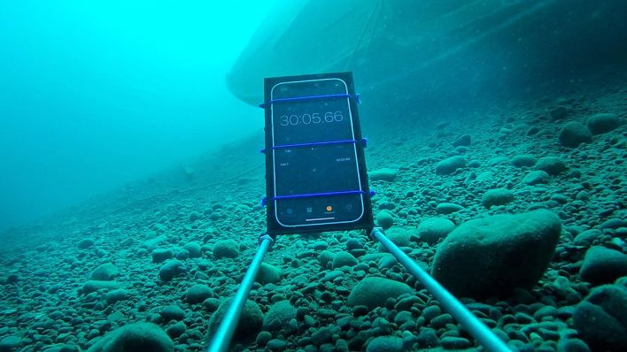 Apple iPhone 12 mini Wasser-Test