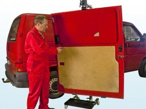 Handling of vehicle doors with SmartPuller