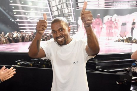 Kanye west giving a thumbs up 2