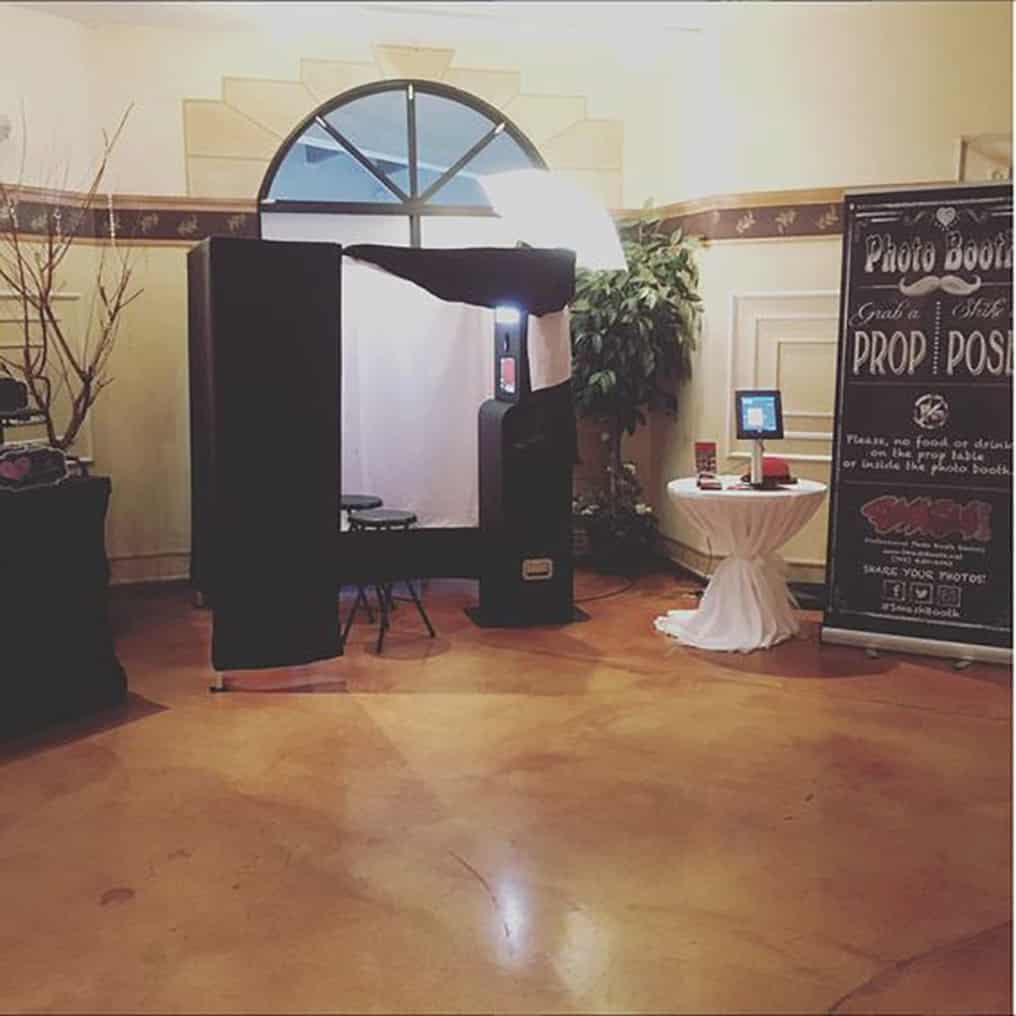 Enclosed Style Photo Booth