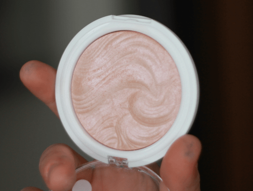 MUA Undress Your Skin Shimmer Highlighter 1