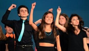 Eastipedia: Musical Revue