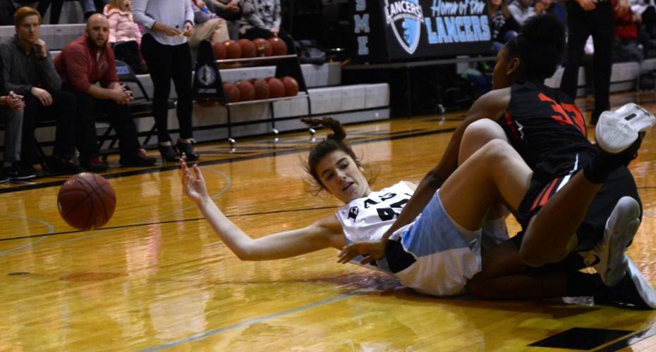 Gallery: Girls Varsity Basketball vs. Shawnee Mission North