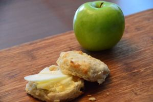 Apple Cider Biscuit with Pepper Jelly and Apple Slices