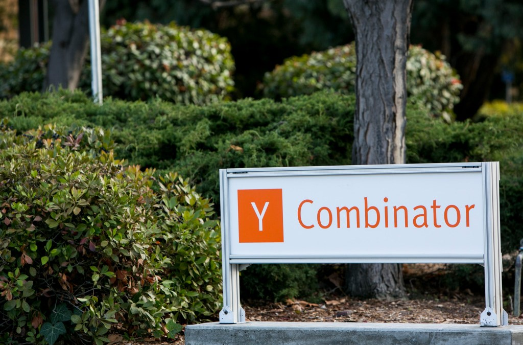 Y Combinator is reducing its investment in startups by almost 17%