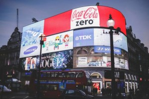 Unleashing the ROI of Augmented Reality Marketing