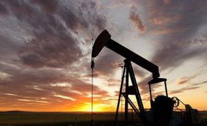 Oil Price Rises, US Inventories Fall Due To Strong Demand