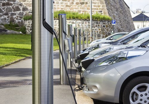 Niti Aayog Waiting for Auto Industry's Report on Roadmap for Electric Vehicles