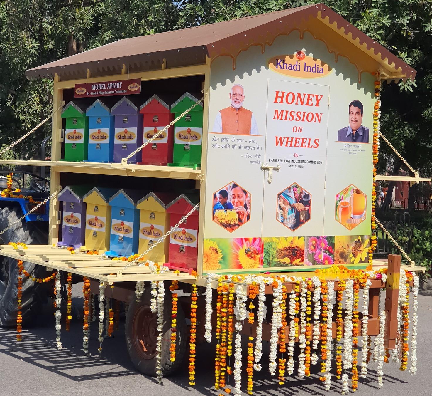 Nitin Gadkari Flags off KVIC's Apiary on Wheels