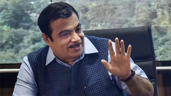 Nitin Gadkari Urged Solar Industry to Adopt Innovation As a Practice