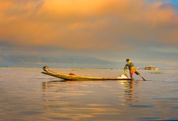 EARLY MORNING ON INLE LAKE