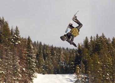 SNOWBOARDER CANADA