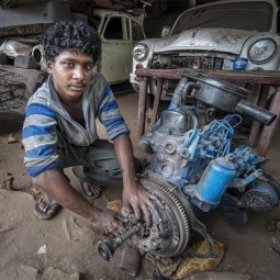 First Indian Car Mechanic Mike Sharples