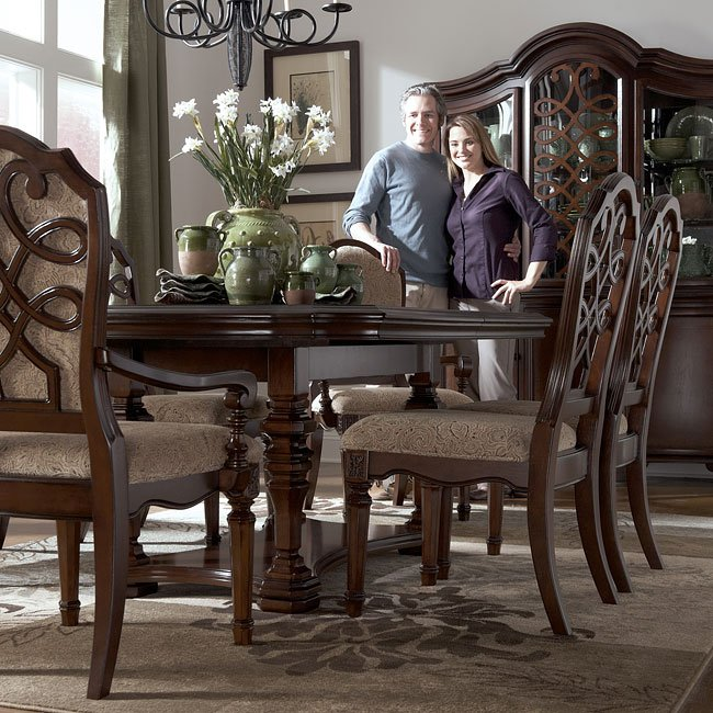 Flemingsburg Dining Room Set By Signature Design By Ashley FurniturePick