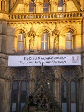 Mcr dà il benvenuto al Labour Party