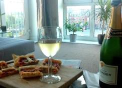 Champagne e pizza rustica