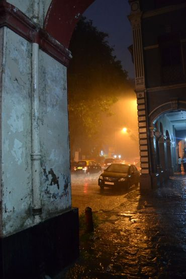 A short but heavy rain fall at night/ Ein kurzer aber heftiger Regenschauer am Abend