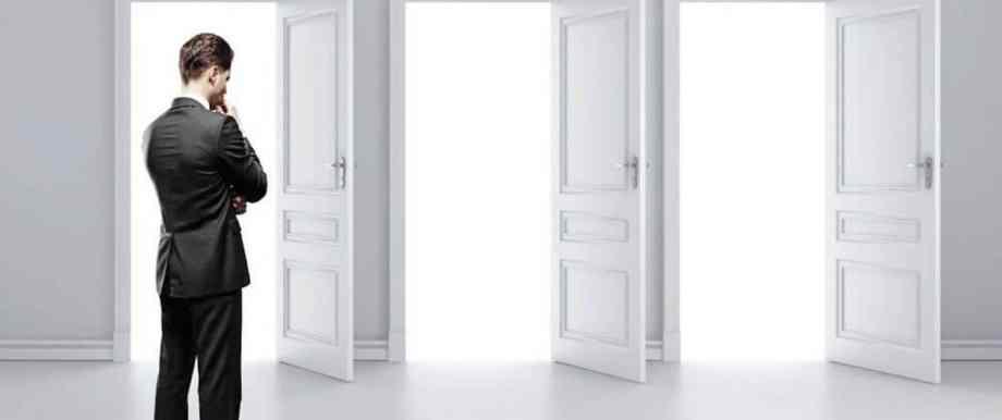 どの扉か迷う未来の人材
