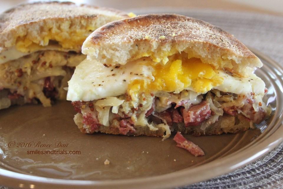3784 breakfast reuben