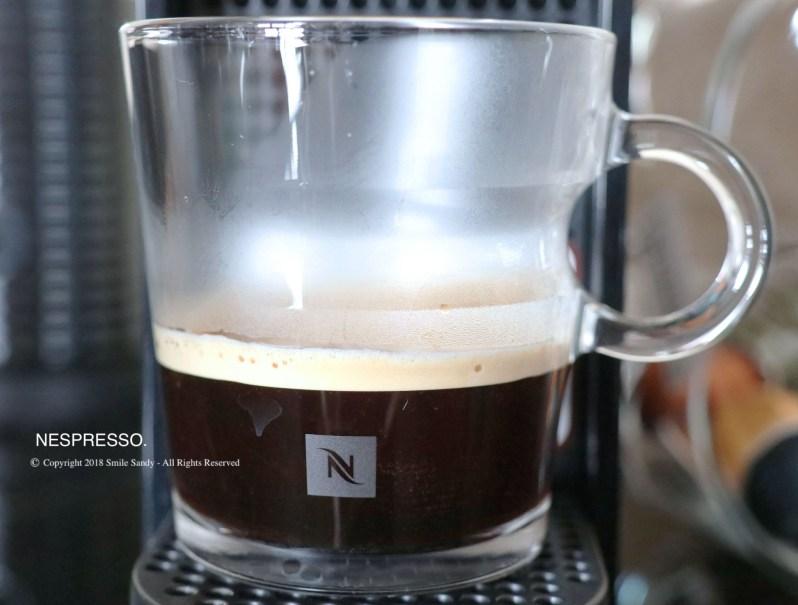 Nespresso Essenza Mini 膠囊咖啡機-咖啡泡好了