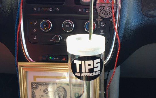 Smiley Sharing St. Louis Ridesharing Equipment Review:Tipsters Tip Cup