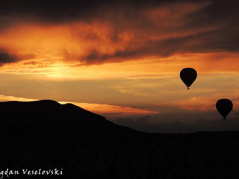 Hot air balloons – Sunrise in Göreme, Cappadocia