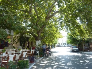 La rue principale de Filoti