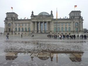 Fonte des neiges devant le Reichstag ;-)