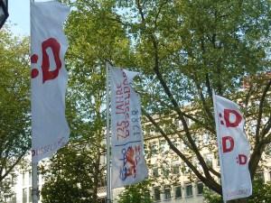 Autre symbole de Düsseldorf, le smiley qui reprend le Umlaut et le D de Düsseldorf, ça c'est bien trouvé !