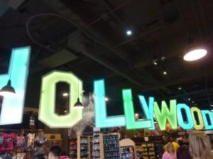 Les boutiques du boulevard jouent à fond la carte «Hollywood»