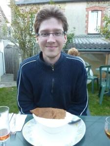 Benoît se lance dans la crêpe au lait ribot