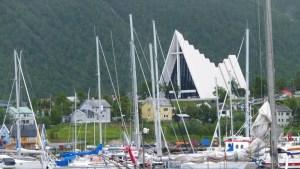 Cathédrale Arctique vue depuis le port