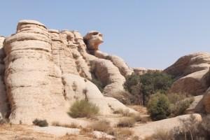 Un crâne se cache dans ces rochers, saurez-vous le retrouver ? ;-)