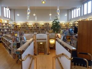 La belle bibliothèque de la maison nordique...