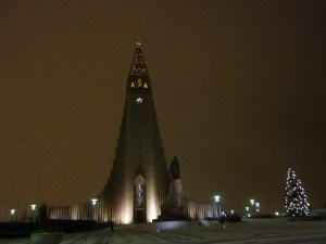 La cathédrale de Reykjavik by night