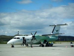 Les liaisons internes sont assurées par de petits avions à hélices