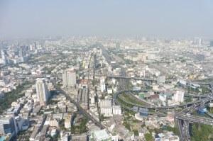 Bangkok la tentaculaire, et ses échangeurs fous...