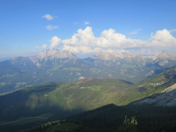 View of the Stahlhaus (saddle), Hohes Brett, Hohes Göll and Schneibstein from yesterday