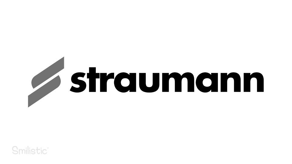 Straumann fogászati implantátum a Smilistic® fogorvosi rendelőben.
