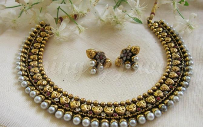 antique necklaces and earings sets