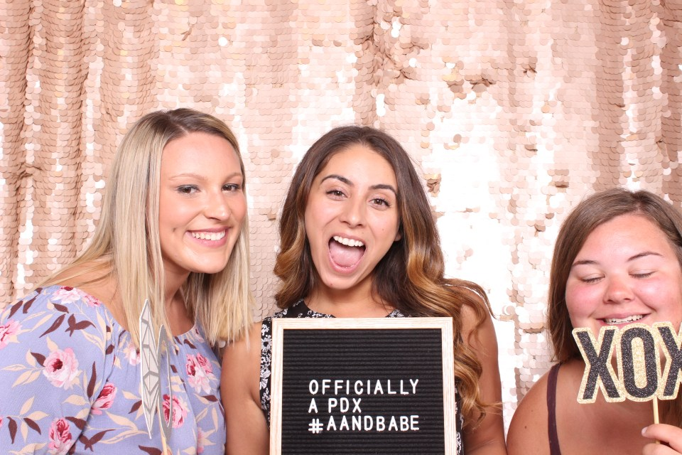 a&be bridal Portland Photobooth