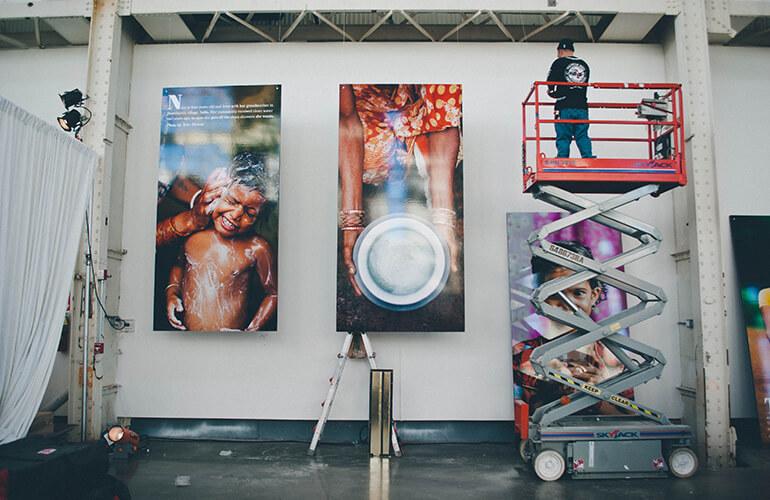 Hanging_Photos_Crane