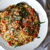 one-pan farro with tomatoes