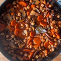 tangy braised chickpeas