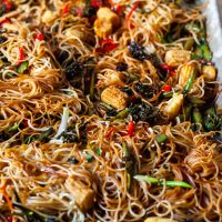 sheet pan chow mein