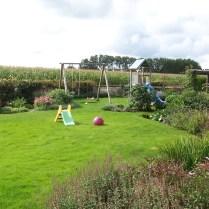 Plads til leg med (børne)børn på græsplænen