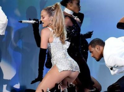 GALERIE FOTO. Jennifer Lopez a comis-o la ULTIMUL CONCERT! Lenjeria i-a CEDAT